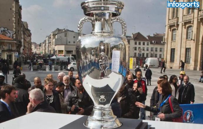 Euro-2016-Trophy