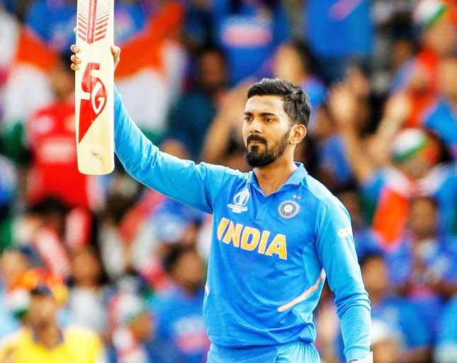 Cricketer-KL-Rahul-Given-World-Cup-2019-Bat-and-Other-Equipments-to-Raise-For-Children-Funds
