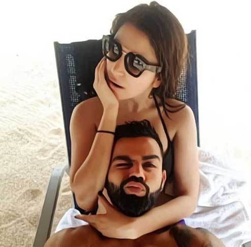 Virat Kohli With Wife Anushka Sharma enjoying Vacation Beach