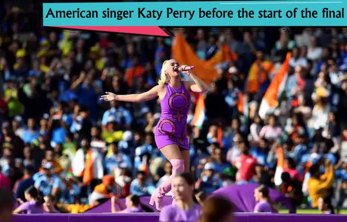 American-singer-Katy-Perry-before-the-start-of-the-final