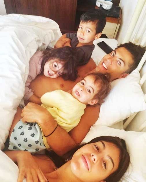 Cristiano-Ronaldo-with-his-partner-Georgina-Rodriguez-and-kids