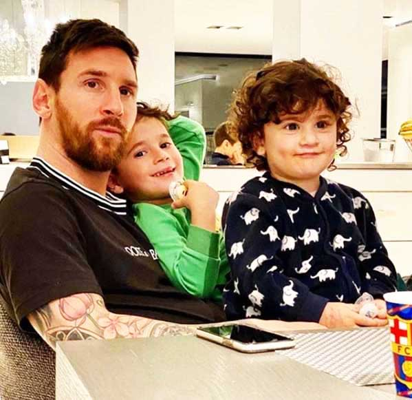 Lionel-Messi-stay-at-home-during-lockdown