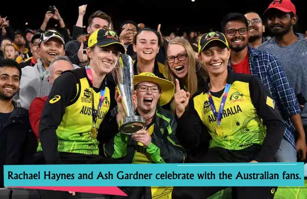Rachael-Haynes-and-Ash-Gardner-celebrate-with-the-Australian-fans