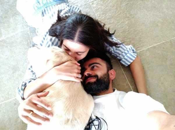 Virat-Kohli-with-wife-Anushka-Sharma