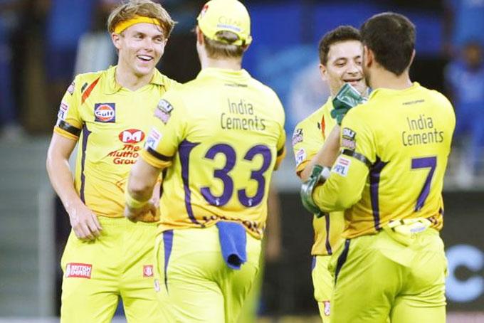 CSK-players-celebrate-after-Sam-Curran-dismissed-DC-captain-Shreyas-Iyer