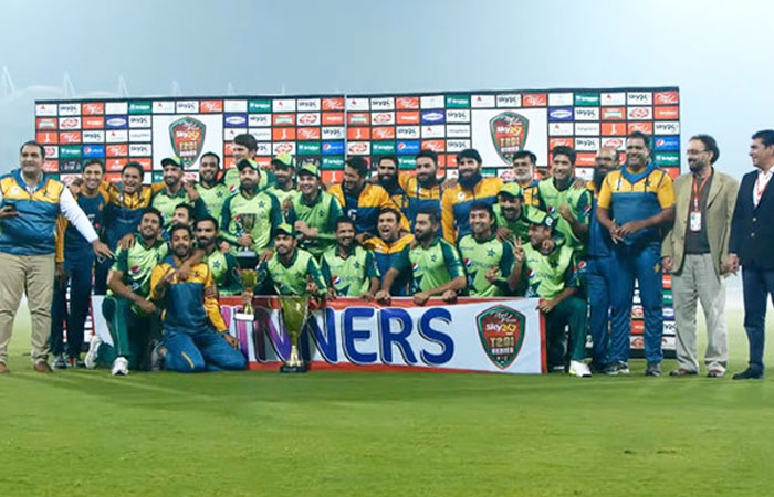 Pakistan Smashed South Africa and Won the T20 Series 2-1