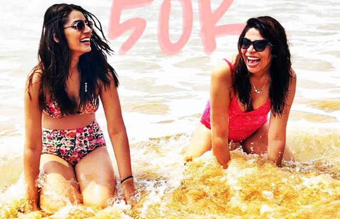 Sanjana Ganesan With Sister on Beach