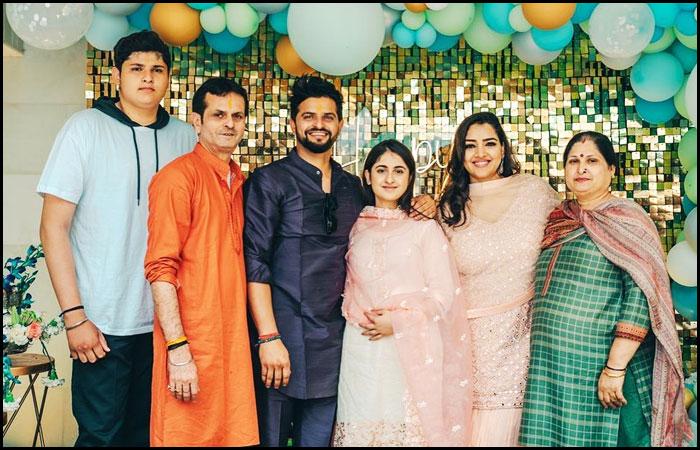 Suresh Raina With Family Members